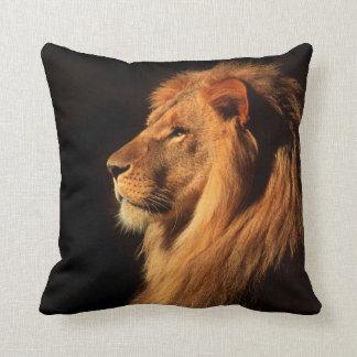Almohada africana real del león