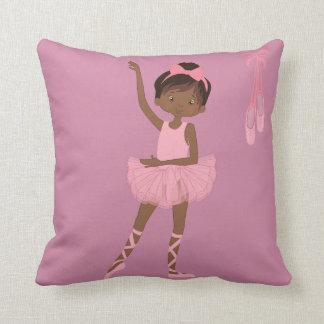 Almohada afroamericana de la bailarina de la
