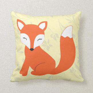 Almohada amarilla linda del Fox del bebé