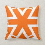 Almohada anaranjada decorativa