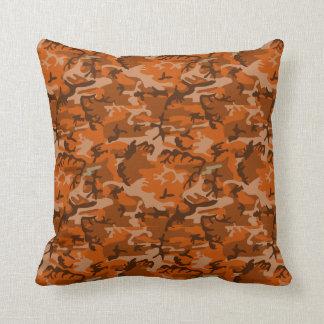 Almohada anaranjada del camuflaje
