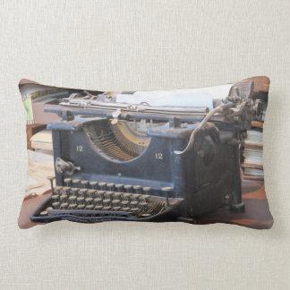 Almohada antigua de la máquina de escribir