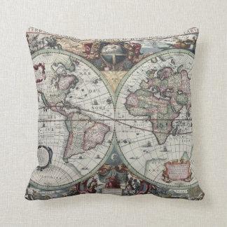 Almohada antigua del mapa del mundo