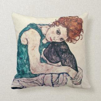 Almohada asentada Schiele de la mujer de Egon