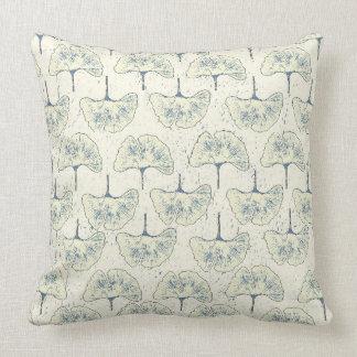 Almohada azul de la decoración del modelo de la