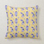 Almohada azul del acento de la flor