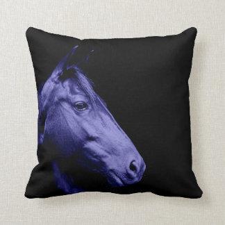 Almohada azul del diseño del caballo