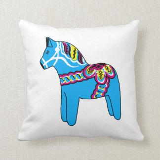 Almohada azul y amarilla del caballo de Dala