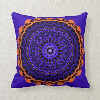 Almohada azul y anaranjada de la ilusión óptica