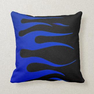 Almohada azul y negra de MoJo del americano de la