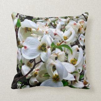 Almohada blanca de los flores cojín decorativo