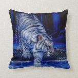 Almohada blanca del tigre