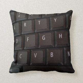 Almohada blanca negra del teclado