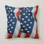 Almohada blanca roja de la impresión de la bandera