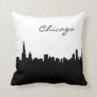 Almohada blanco y negro de la señal de Chicago Cojín Decorativo