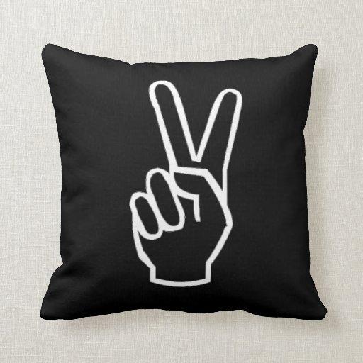 Almohada blanco y negro del signo de la paz