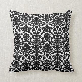 Almohada blanco y negro floral del damasco del