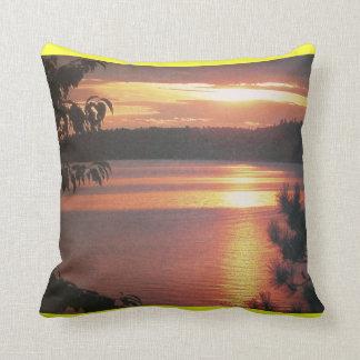 Almohada canadiense de la puesta del sol