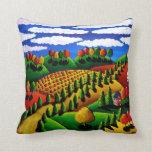 Almohada caprichosa colorida del arte del paisaje