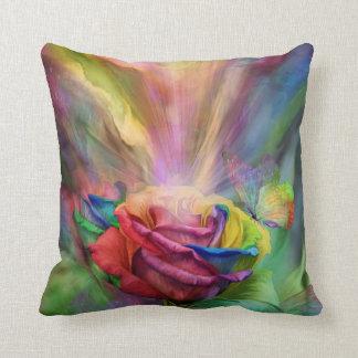 Almohada color de rosa curativa del decorador del