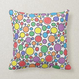 Almohada coloreada de las burbujas
