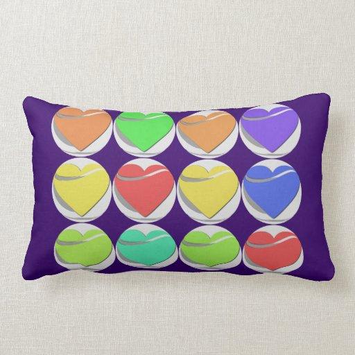 Almohada colorida de los corazones