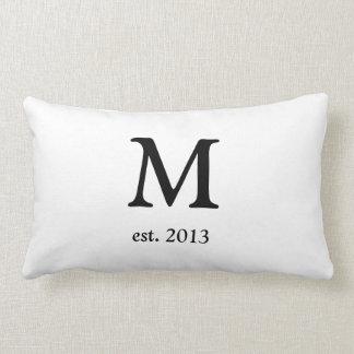 Almohada con monograma