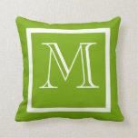 Almohada con monograma negativa positiva verde de