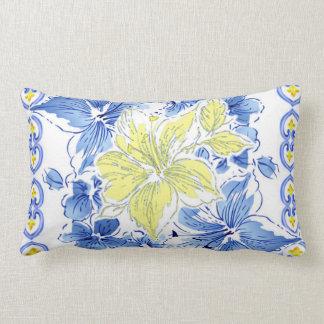 Almohada confinada floral azul y amarilla