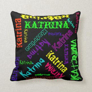 Almohada conocida del collage en colores