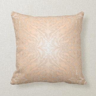 Almohada coralina de lujo del damasco del cordón