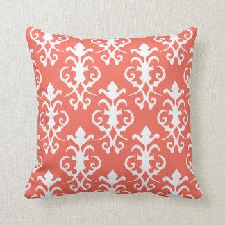 Almohada coralina decorativa del damasco