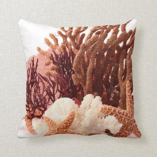 Almohada coralina del sofá del tiro de Ocea de la
