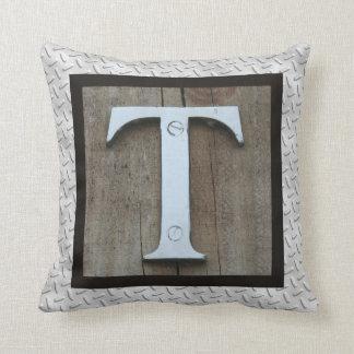 Almohada de acero rústica inicial del nombre del cojín decorativo