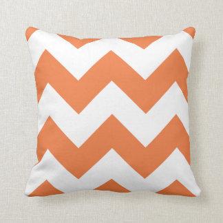 Almohada de Chevron con zigzag del naranja del