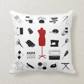 Almohada de costura suave con el modelo del sastre
