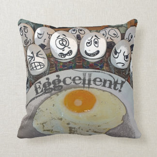 ¡Almohada de Eggcellent de la diversión! Cojín Decorativo