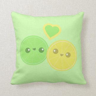 Almohada de Kawaii del corazón de la cal del limón