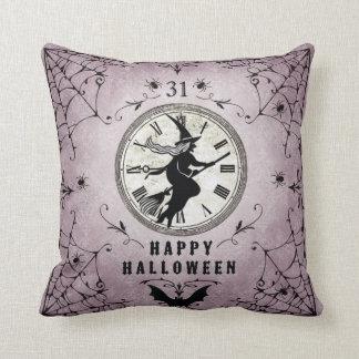 Almohada de la bruja de la silueta de Halloween de