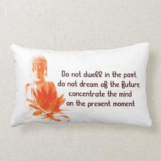 Almohada de la cita del azafrán de Buda Gautama