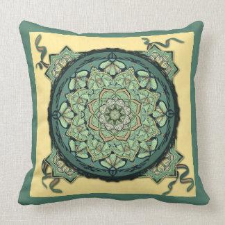 Almohada de la decoración de la mandala de la hoja