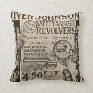 Almohada de la decoración del hogar del revólver