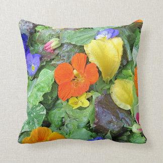Almohada de la ensalada de la flor