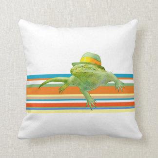 Almohada de la iguana de la sol