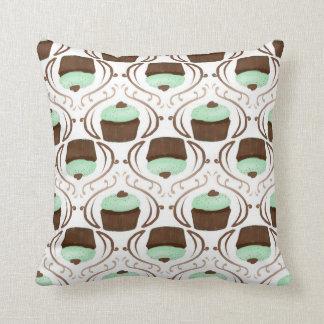 Almohada de la magdalena del chocolate de la verde cojín decorativo