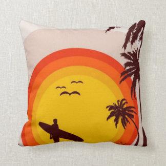 Almohada de la playa de la puesta del sol