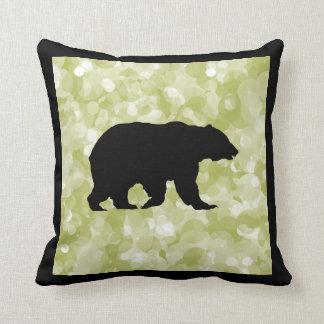 Almohada de la silueta del oso