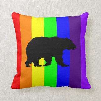 Almohada de la silueta del oso del arco iris cojín decorativo