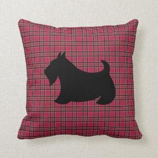 Almohada de la tela escocesa de Terrier del