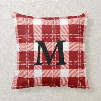 Almohada de la tela escocesa del monograma